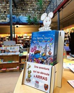 Présentoir de livres sur Arras