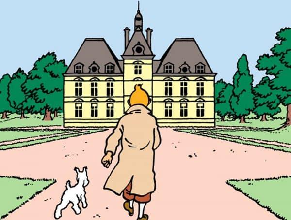 Tintin devant le château de Moulinsart